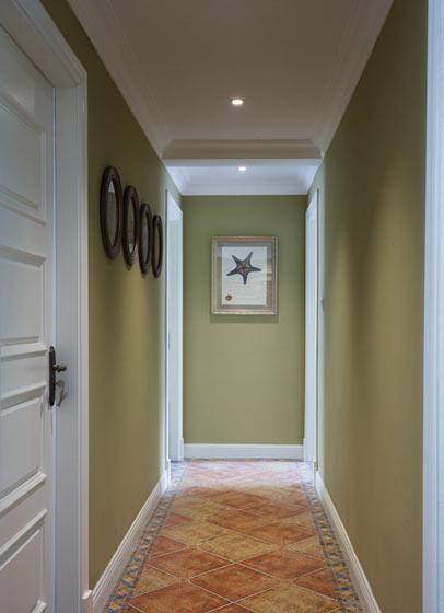 美式风格嫩绿色走廊装修效果图
