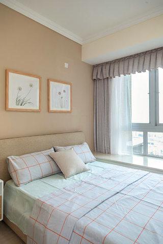 温馨淡色调卧室装修效果图