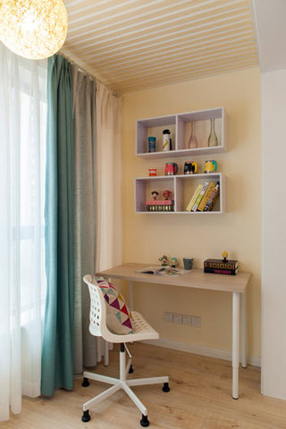 简约风格温馨小书房阳台装修设计