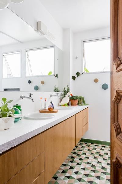 森系清新明亮卫生间装修设计