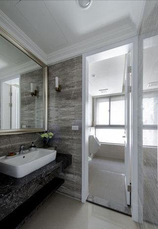美式别墅主卧卫生间装修效果图