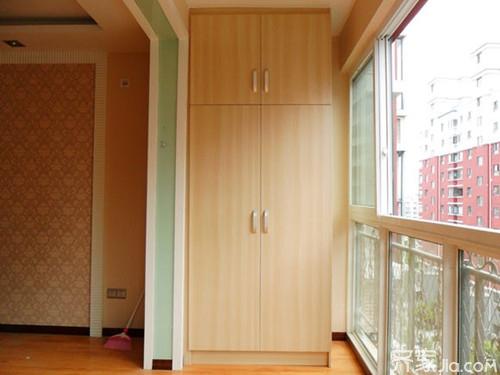 资讯 学堂 软装搭配 家具选购 正文  这种阳台柜子装修不叫简单,白色图片