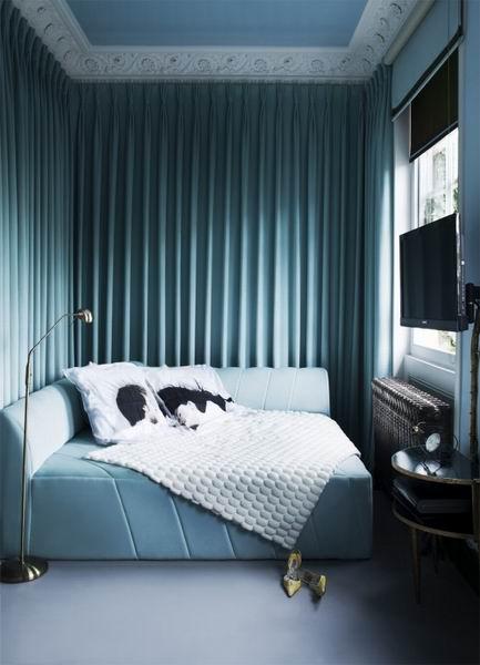 蓝绿色幽静清新卧室装修效果图