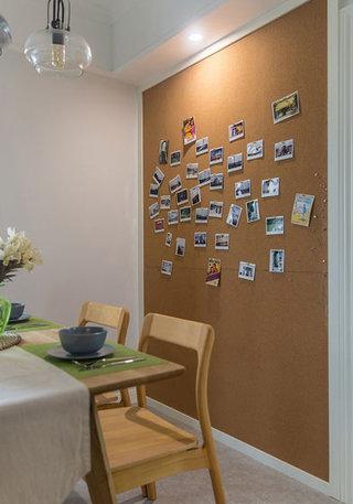 简欧风格棕黄色餐厅背景墙装修效果图