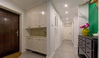 白色明亮走廊过道装修效果图