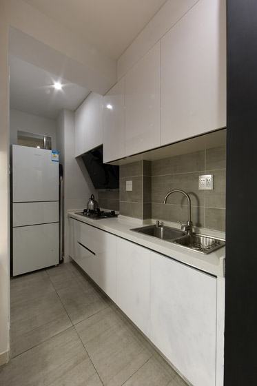 白色简约风厨房橱柜效果图