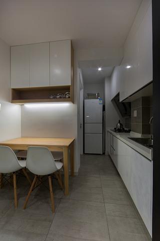 简约风格厨房餐厅过道装修效果图