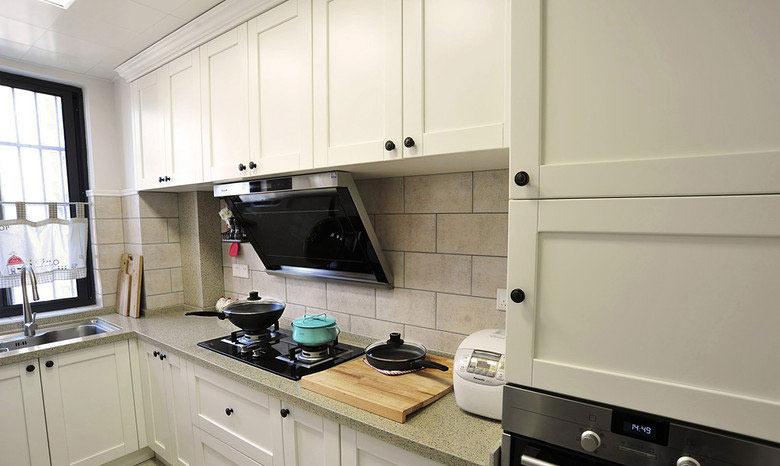 美式田园风格精致厨房装修效果图