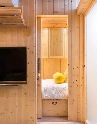 25平老公房卧室门装修