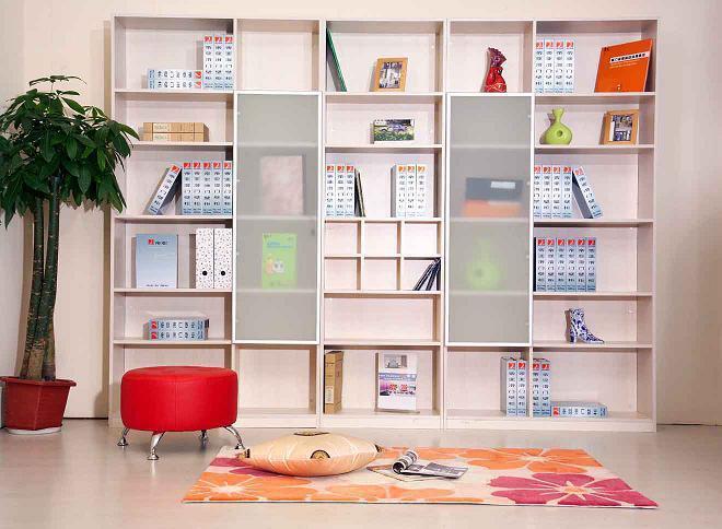 齐家百科 生活百科 日用 壁柜  在卧室中,壁柜尺寸也是以人体尺寸为准