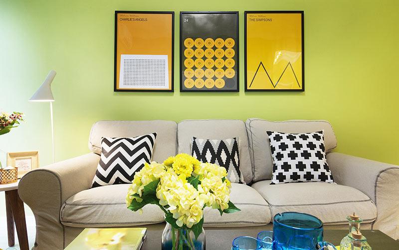 明媚绿色沙发背景墙装修效果图