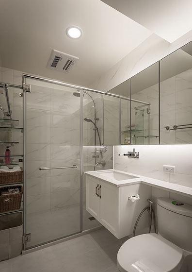 简洁主义卫生间 淋浴房隔断效果图