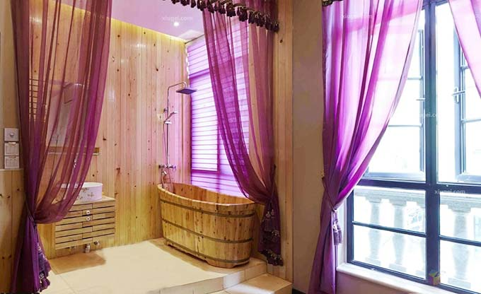 紫色系卫生间木色图片