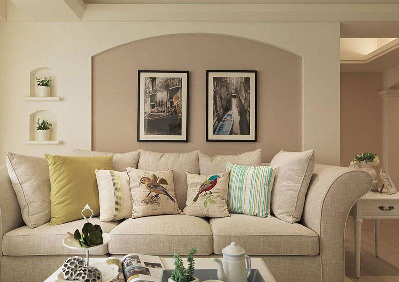 美式田园风客厅沙发背景墙装修图片
