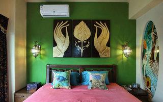 45平米东南亚风格卧室背景墙装饰效果图