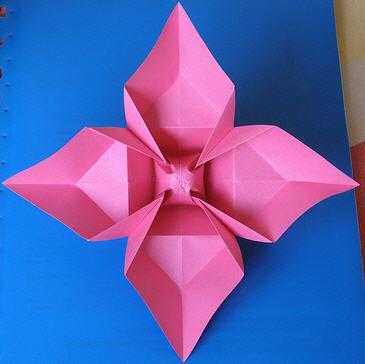 立体纸花球的折法,爱心拼折四叶草,康乃馨折纸,太阳花