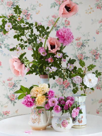 清新田园风餐桌花卉布置设计