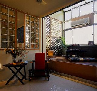 46平小复式楼客厅榻榻米图片