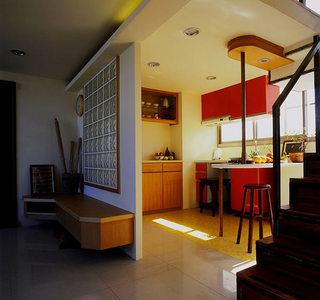 46平小复式楼厨房红色橱柜设计图