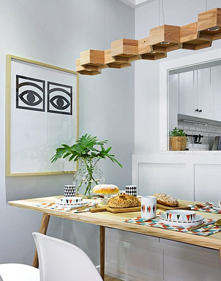北欧风格三室两厅餐厅木质吊灯装修
