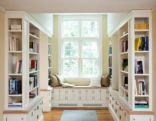 书房飘窗布置图片