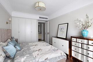 220平时尚美式卧室吊顶装修效果图