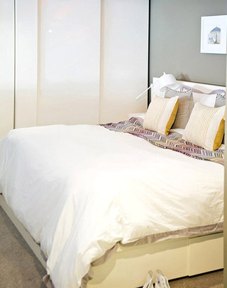 舒适美式风格卧室床品设计