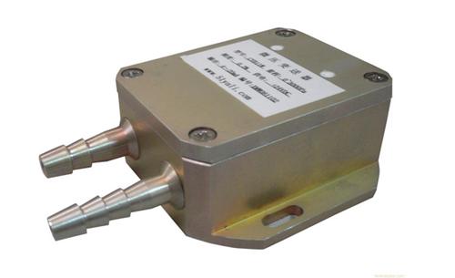 式压力传感器是利用单晶硅材料的压阻效应和集成电路技术制成的传感器