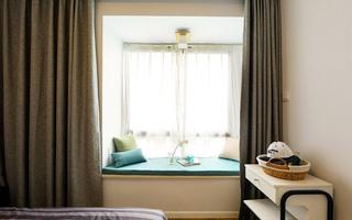 77平简约风格两居室卧室飘窗效果图