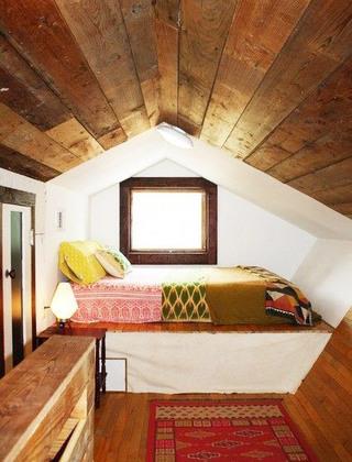舒适阁楼卧室效果图装修