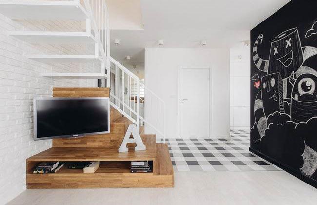 65平波兰北欧风客厅楼梯电视背景墙装饰
