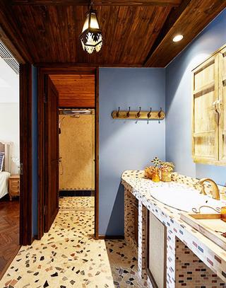 85平米两居室主卫生间图片