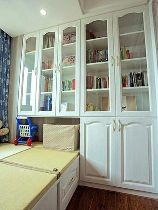 白色简欧风书房整体书柜设计