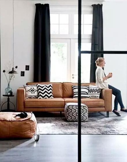 黑白沙发抱枕效果图