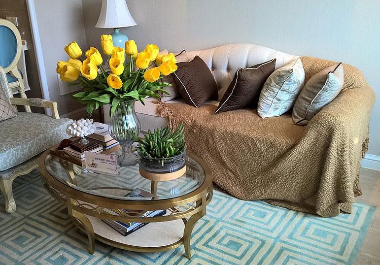 90平两室欧式风格装修温馨客厅