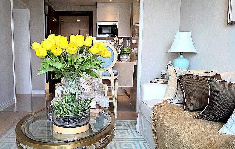 90平两室欧式风格装修客厅绿植