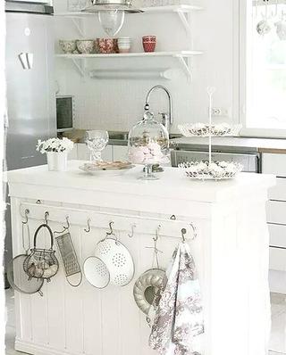 厨房岛台收纳架图片