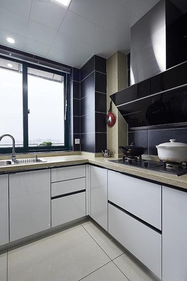 现代简约风格 黑白配厨房设计