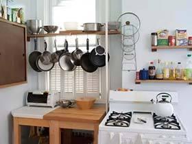 瓶瓶罐罐排长队  10个厨房墙壁收纳设计图