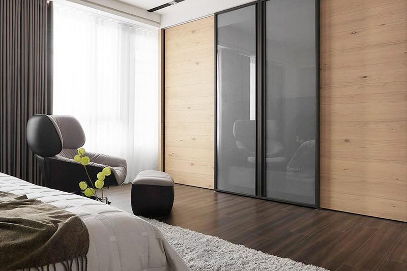现代简约风卧室 整体衣柜推拉门设计
