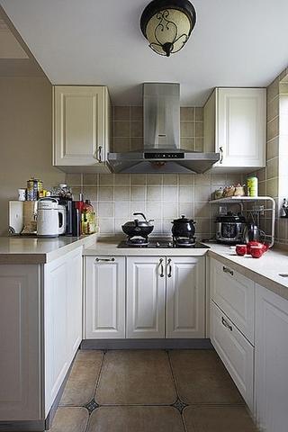 宜家美式厨房U型橱柜效果图
