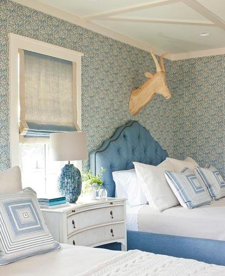 卧室床头背景摆放图片