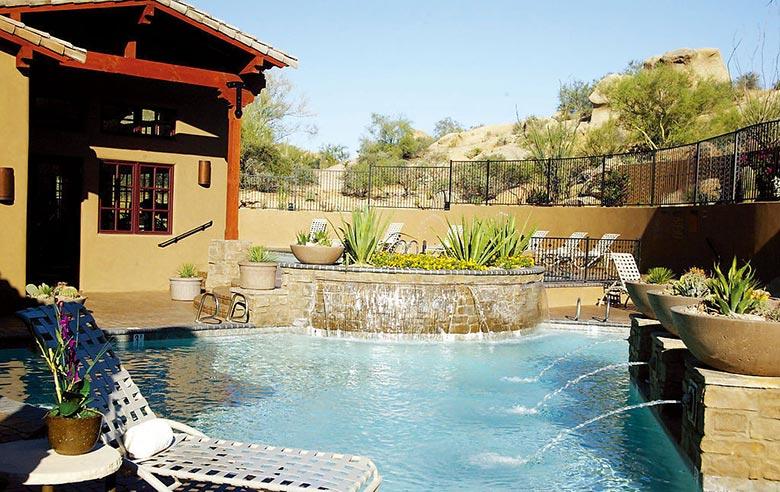 家庭庭院游泳池平面图