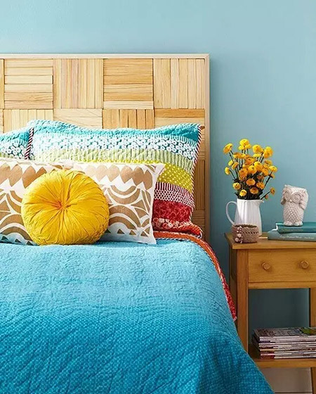 原木卧室床头背景墙图片