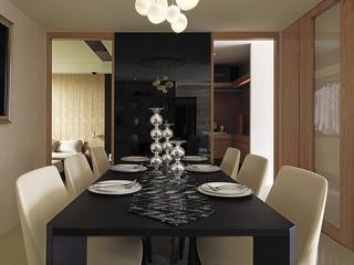 时尚现代风餐厅 黑色镜面隔断效果图