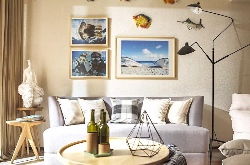 温馨北欧风沙发照片墙设计