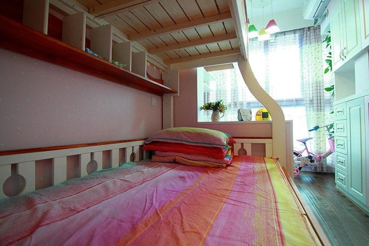 75平美式田园风格装修高低床摆放图