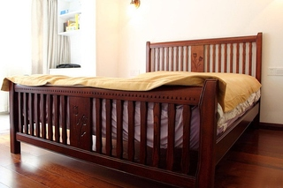 温馨简中式卧室 实木床效果图