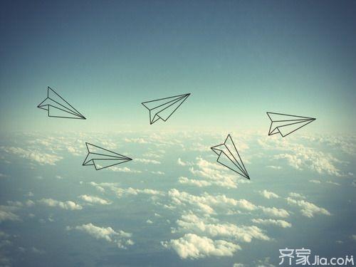 小编支招让你轻松折纸飞机回旋
