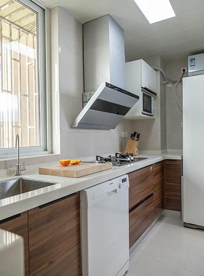 宜家风格厨房 实木橱柜效果图